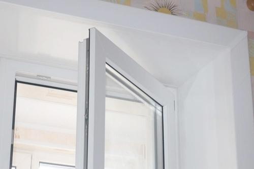 Установка откоса на ПВХ окно в Малино
