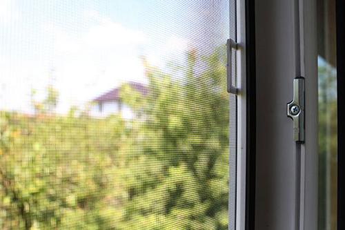 Москитные сетки для пластиковых окон: цены и размеры